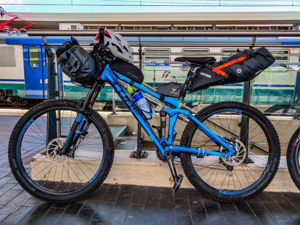 Tuscany Trail Anfahrt Bahnhof Pisa nach Massa - Bikepacking Abenteuer