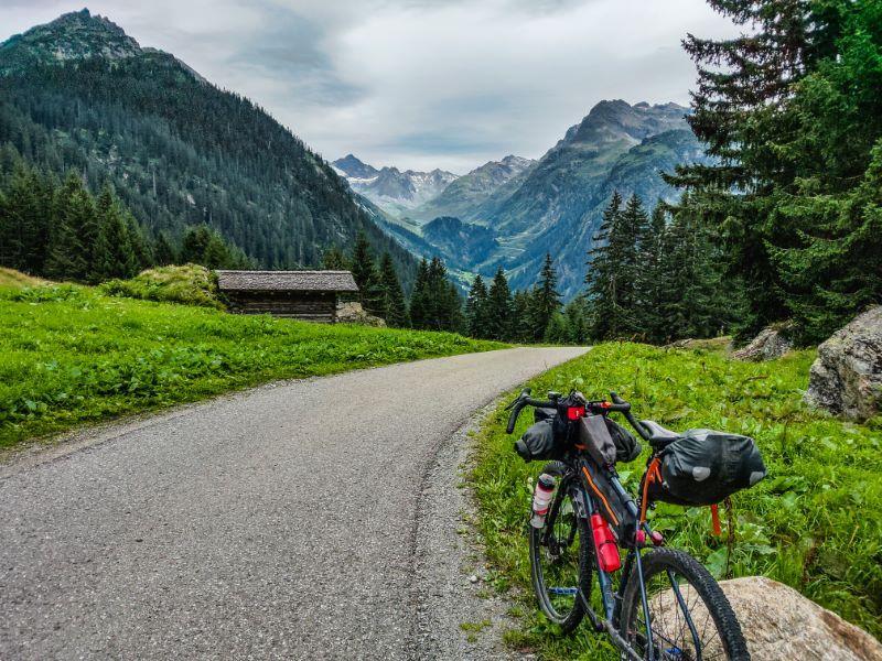 Bikepacking Touren in den Alpen Silvretta Hochalpenstrasse