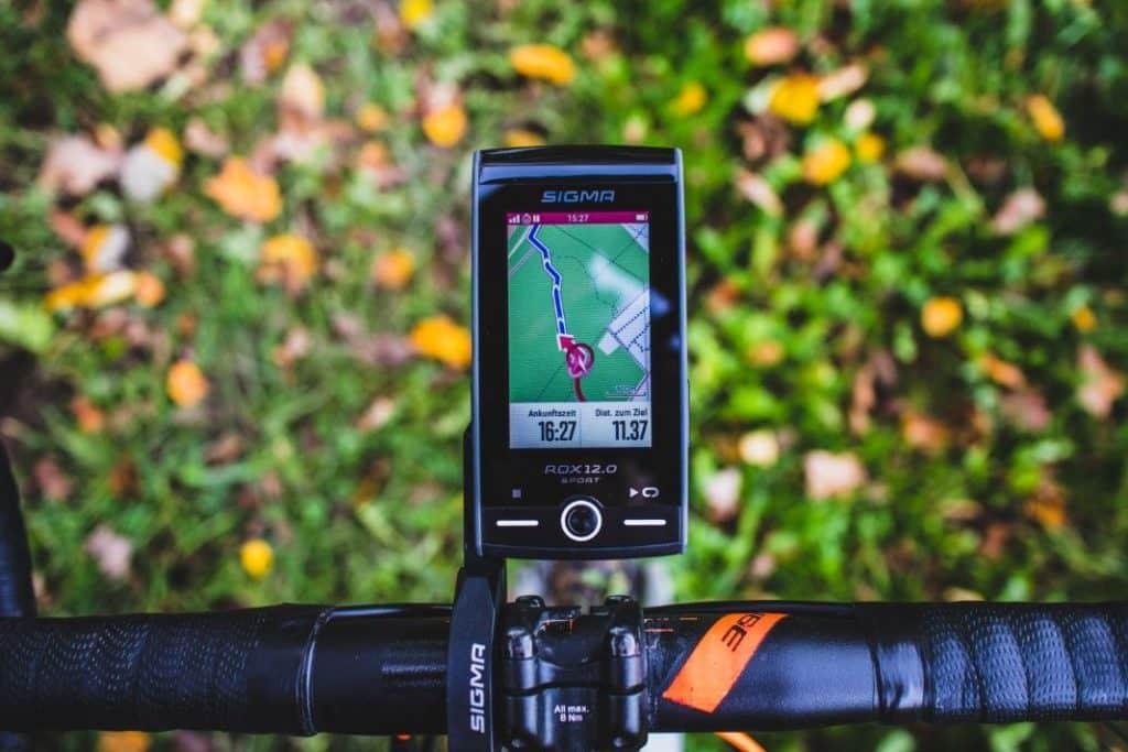 Sigma ROX 12 Test Navigation mit Datenfelder beim GPS Fahrradcomputer