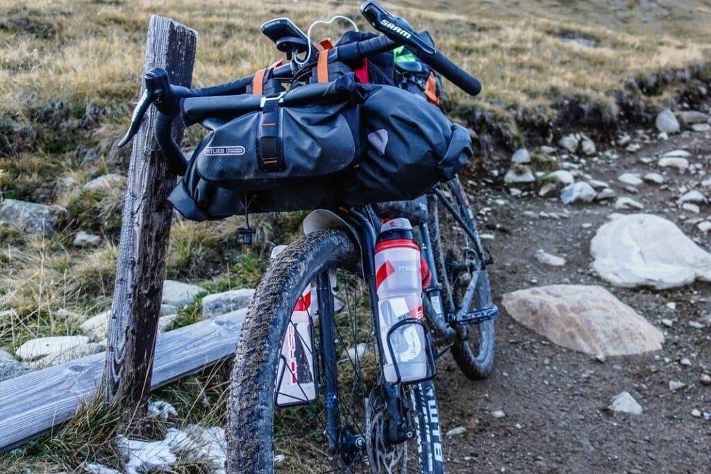 Bikepacking Taschen Test Vergleich Lenkertasche