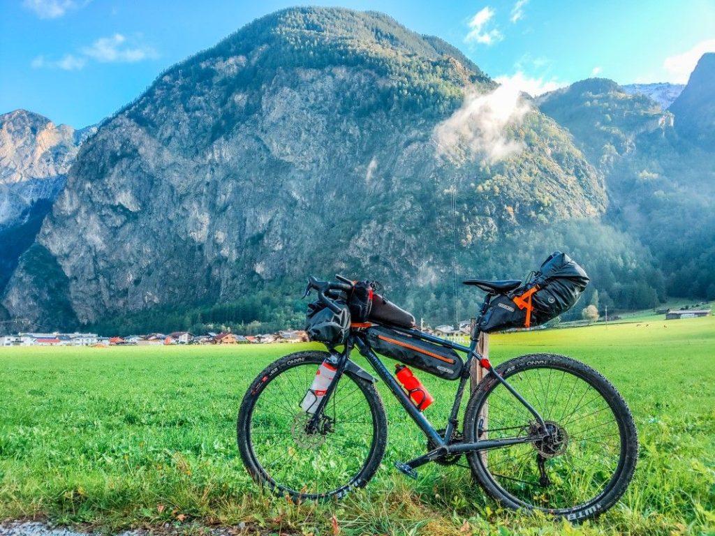 Bikepacking Transalp Tour Start Ötztal Radweg über Ötztaler Alpen