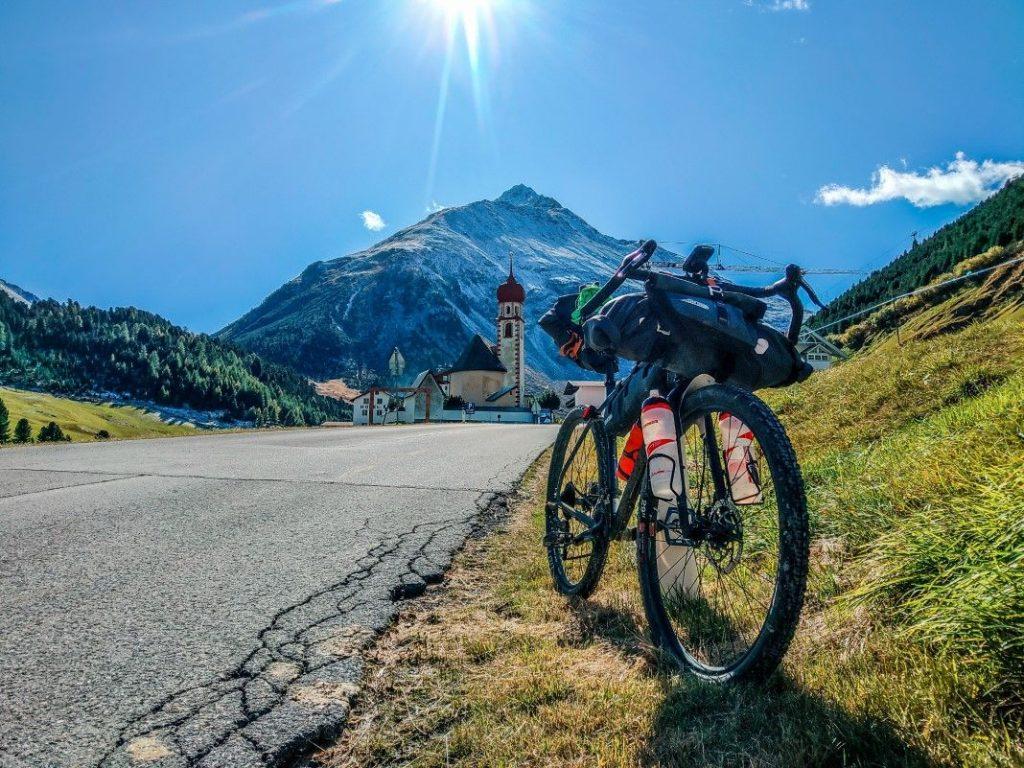 Gravel Bike Tour Start Ötztal Radweg über Ötztaler Alpen