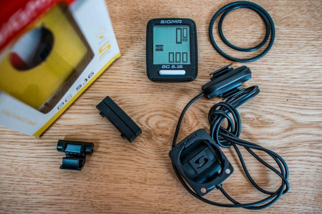 Sigma BC 5.16 Lieferumfang vom Fahrradcomputer mit Kabel