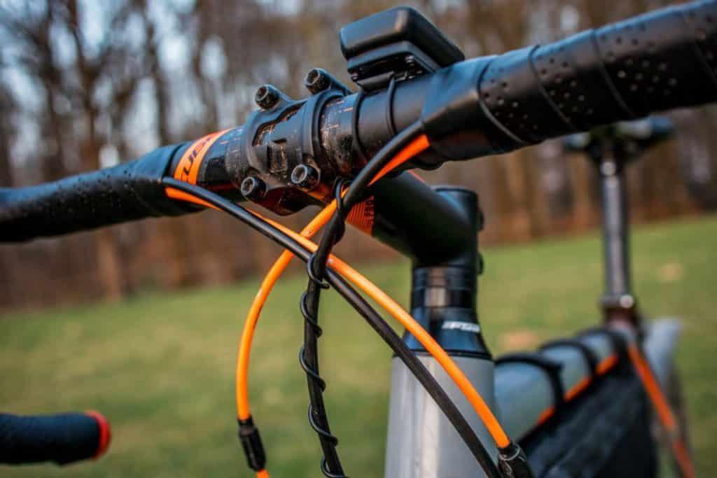 Sigma BC 5.16 Montage des Fahrradcomputer mit Kabel am Bremszug