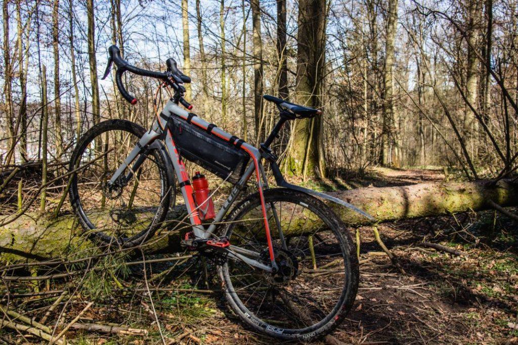 Sigma Fahrradcomputer Pure GPS im Wald