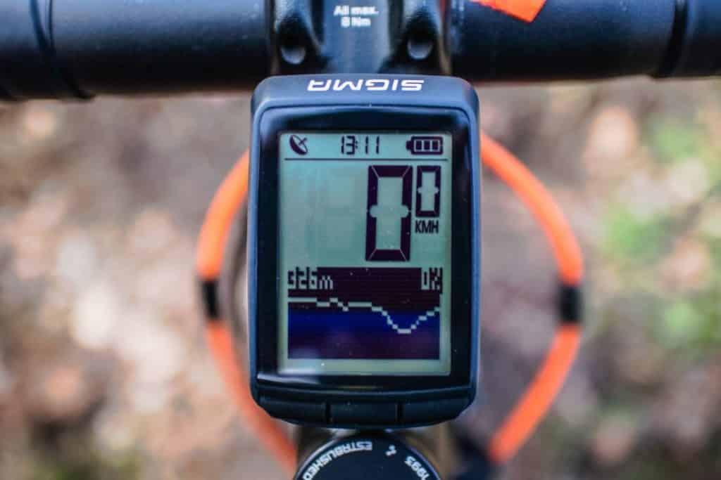 Sigma Pure GPS Fahrradcomputer mit integriertem Höhenmesser