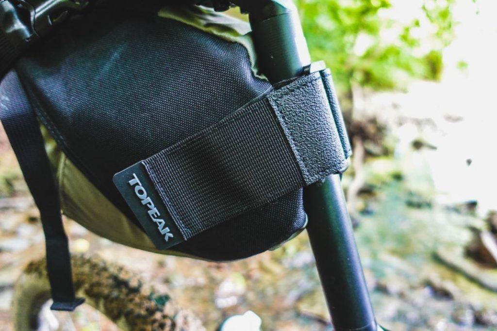 Topeak Backloader Satteltasche Bikepacking Test Befestigung