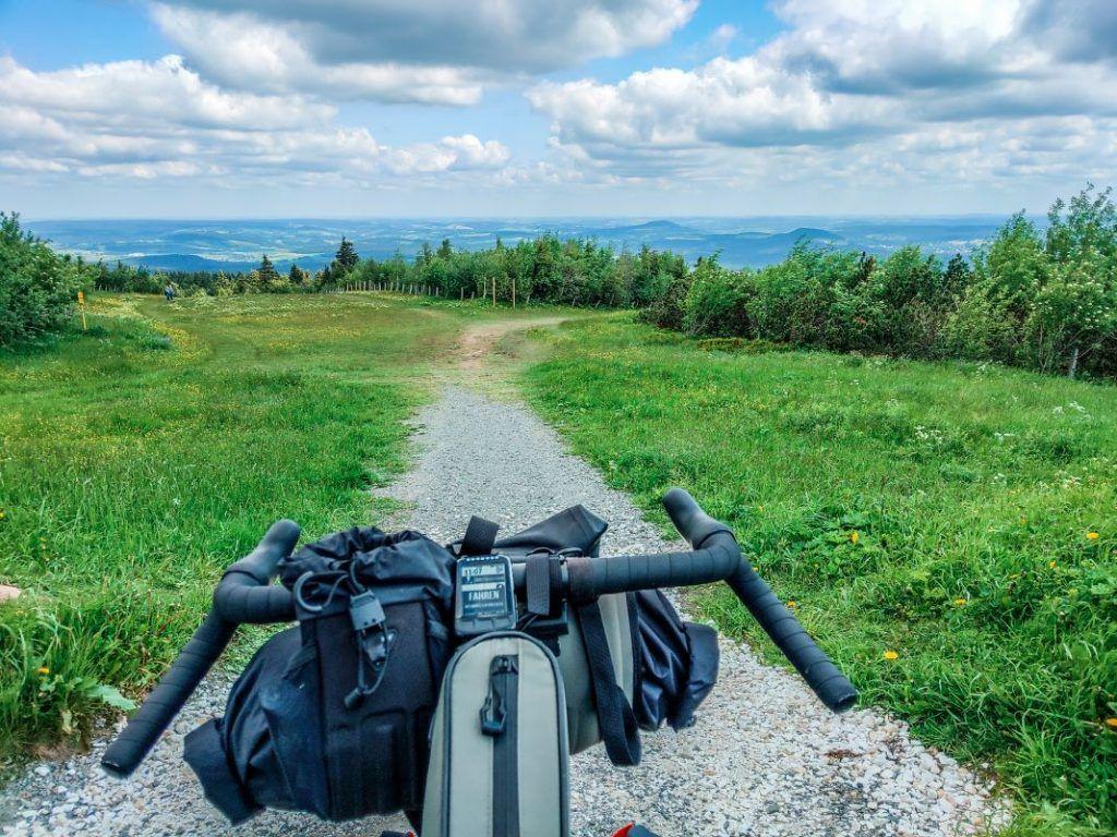Topeak Bikepacking Taschen Test Erfahrungen Fichtelberg Abfahrt