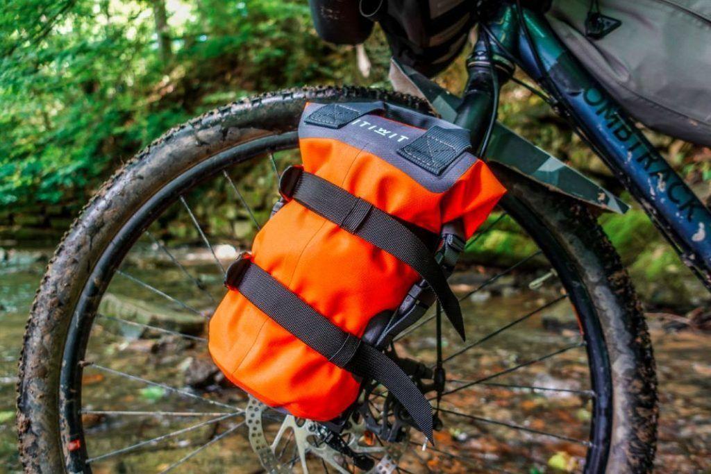 Topeak Versacage Gabeltasche Flaschenhalter Bikepacking Test Drybag
