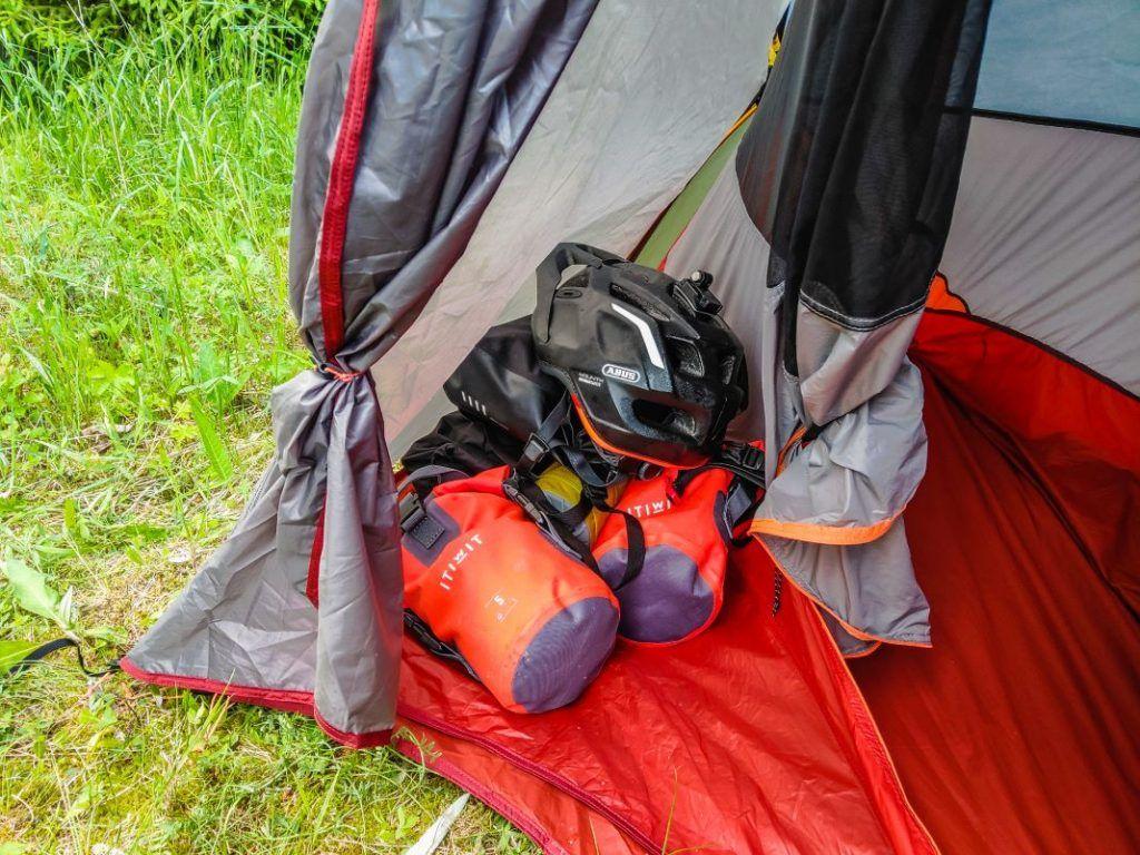 Trekking Zelt unter 2 kg Apsis