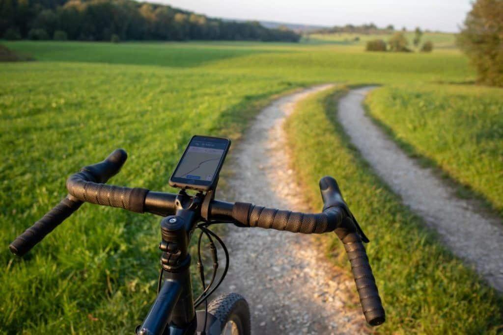 SP Connect Road Bike Bundle Aero Smartphone Handlebar Mount