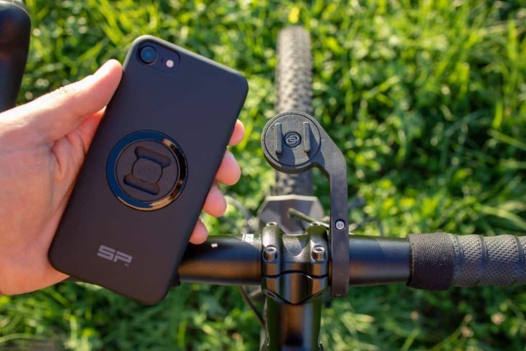 SP Connect Roadbike Bundle Handlebar Mount und iPhone