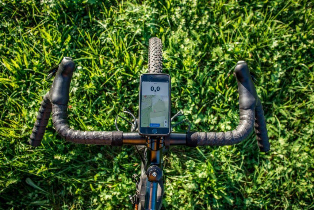 SP Connect Roadbike Bundle iPhone an Aero Halterung Portrait