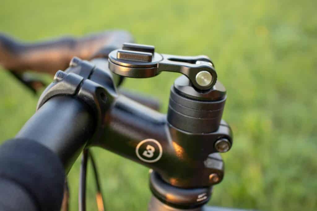 SP Connect Stem Mount Pro Fahrradhalterung Seitenansicht