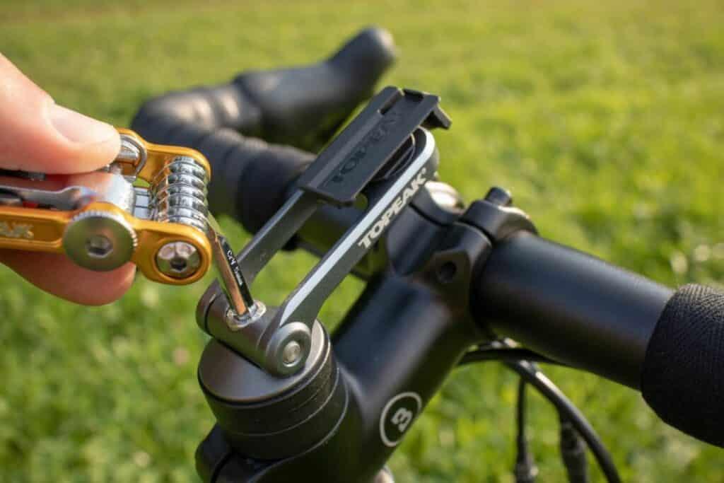 Topeak Ridecase Test Ahead Halter Montage