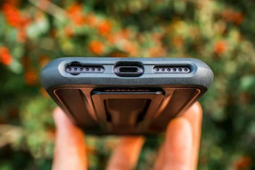 Topeak Ridecase iPhone Halterung im Test freie Anschlüsse