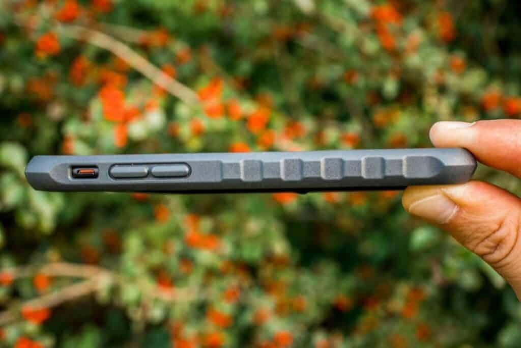 Topeak Ridecase iPhone Halterung im Test freie Anschlüsse links
