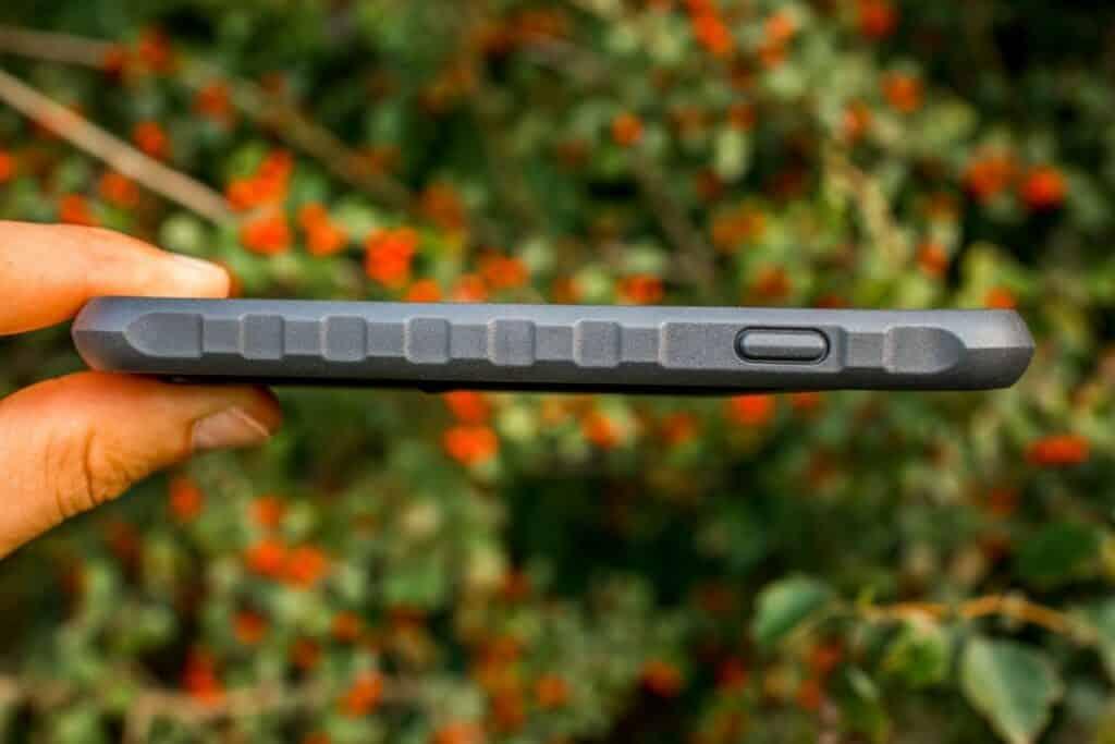 Topeak Ridecase iPhone Halterung im Test freie Anschlüsse rechts