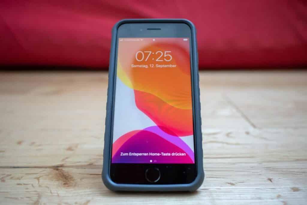 Topeak Ridecase iPhone Handyhalterung Flipstand Smartphone-Aufsteller Hochformat