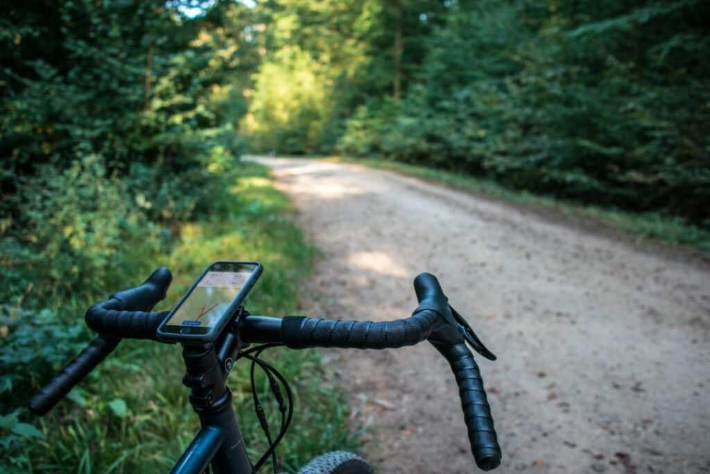 Topeak Ridecase iPhone auf Ahead Kappe Action