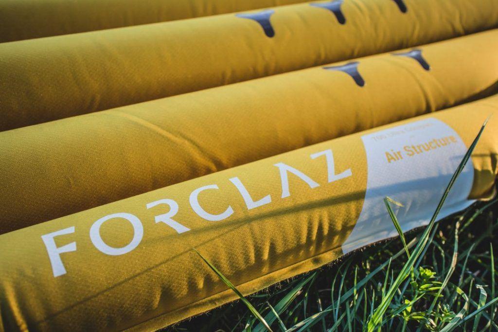Ultraleicht Isomatte Test Decathlon Trek 700 Trekking Luftmatratze Logo hell