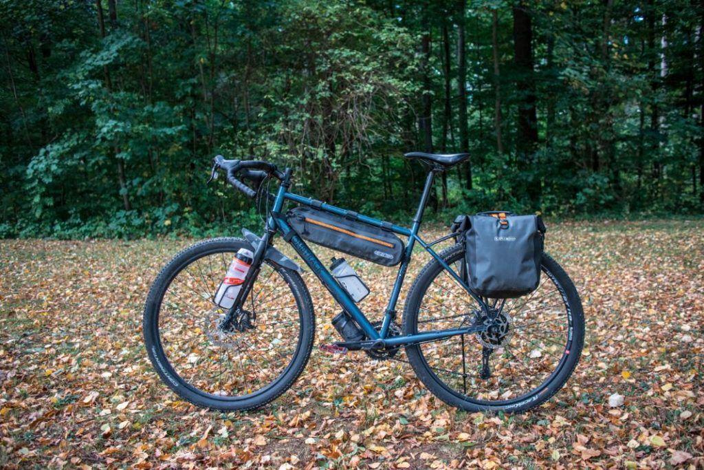 Ortlieb Gravel Pack Test Lowrider Fahrradtaschen vorne und hinten Gepäckträger