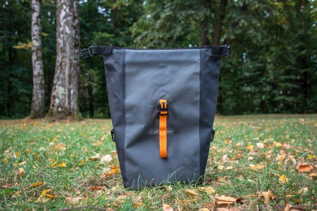 Ortlieb Gravel Pack Test kleine Fahrradtaschen Vorderrad und für hinten Ansicht vorne offen