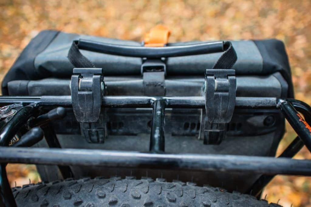 Ortlieb Gravel Pack Test kleine Lowrider Radtaschen vorne und hinten zum einhaken
