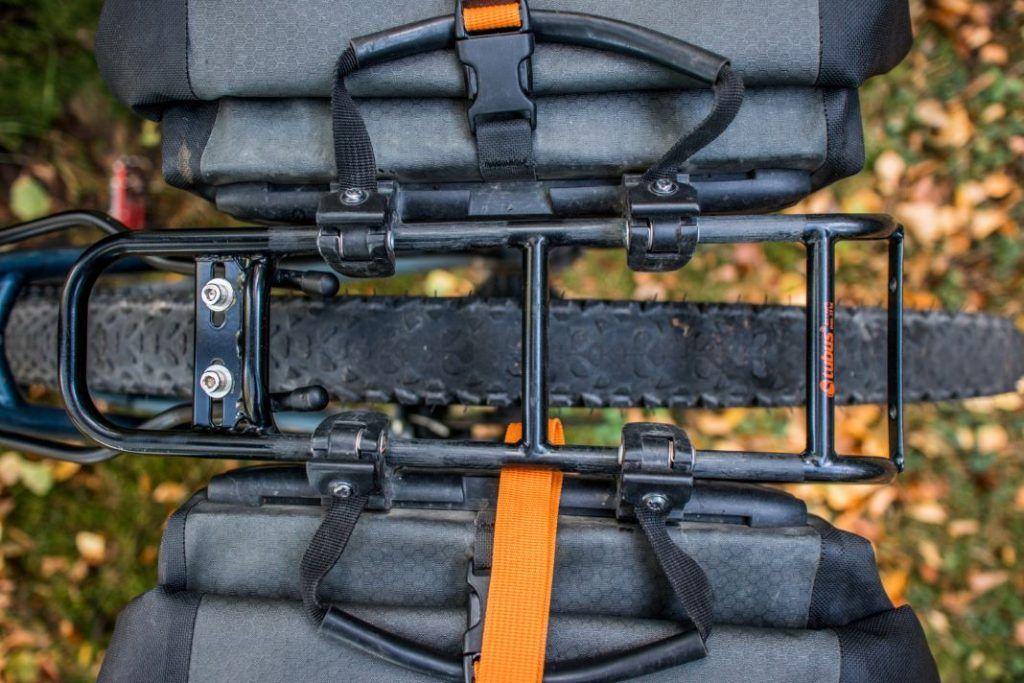 Ortlieb Gravel Pack Test wasserdichte Fahrradtaschen für hinten Detail