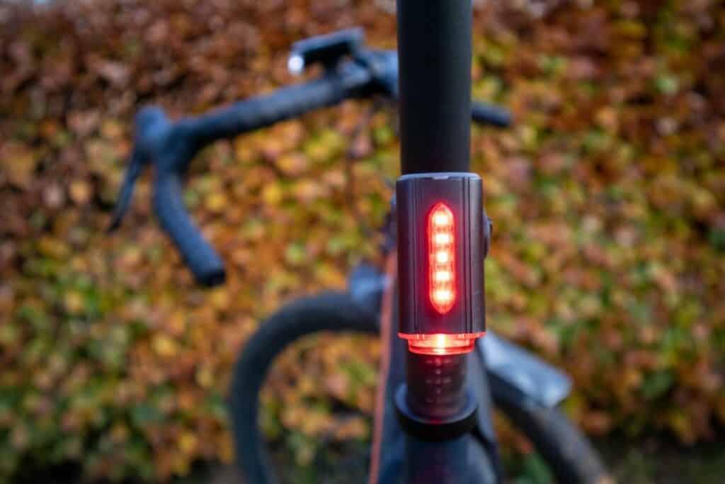 Fischer LED Beleuchtungsset Test Fahrrad Rücklicht leuchtet rot