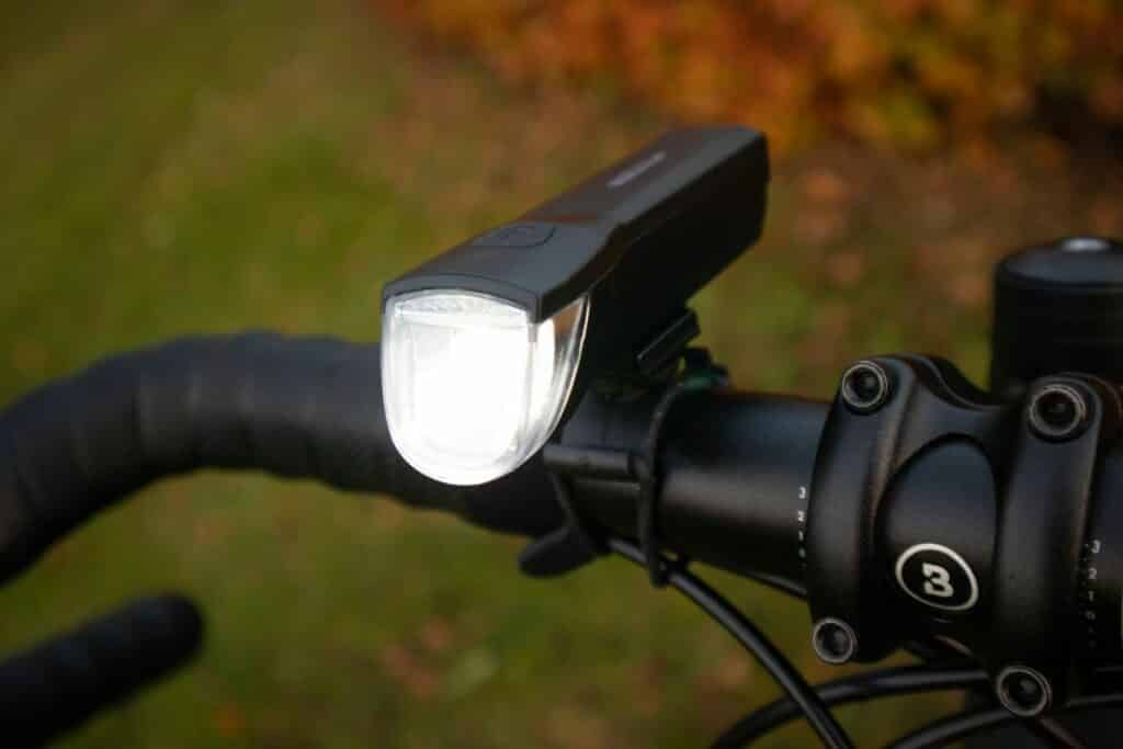 Fischer LED Beleuchtungsset Test helles LED Fahrradlicht
