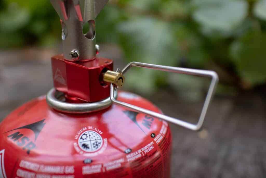 MSR Pocket Rocket 2 MSR Gaskocher Gashahn und Kartusche am Outdoor Kocher