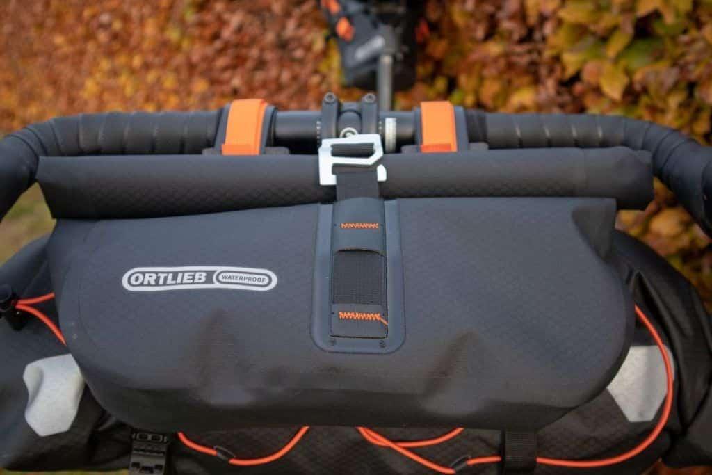 Ortlieb Accessory Pack perfekte Befestigung der Bikepacking Lenkertasche