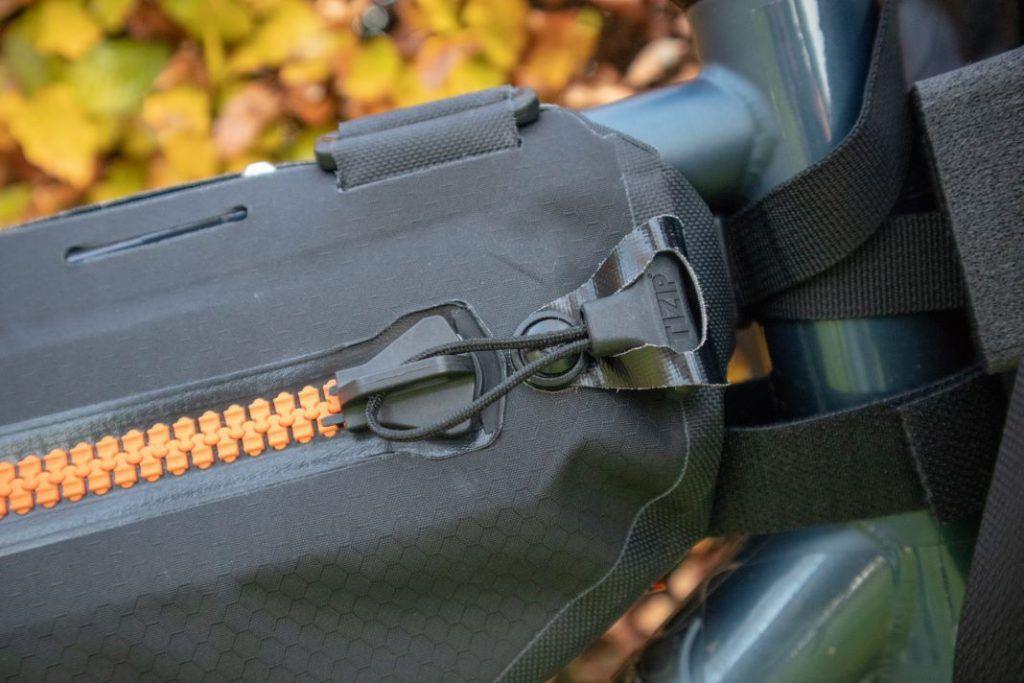 Ortlieb Frame Pack Reisverschluss und Befestigung der Ortlieb Frame Bag