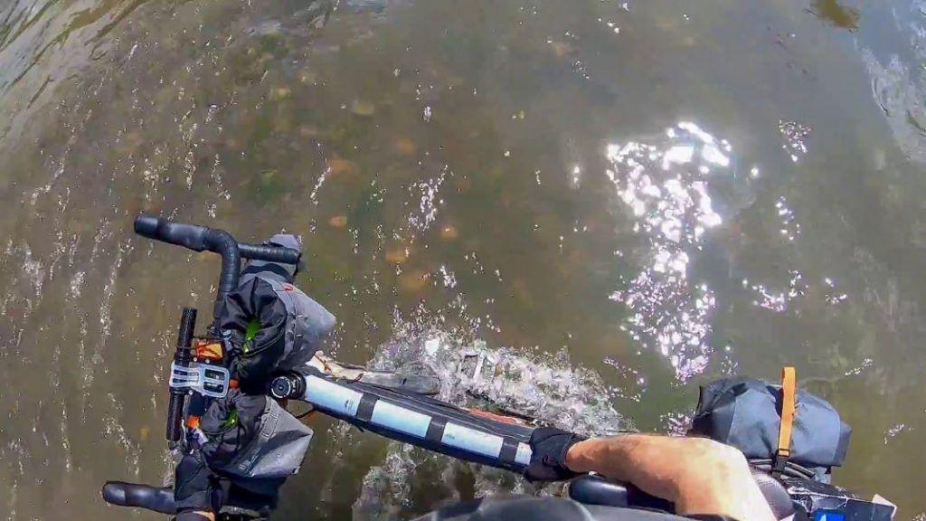 Ortlieb Gravel Pack Test Wasserdicht Flussdurchquerung Bulgarien FPV