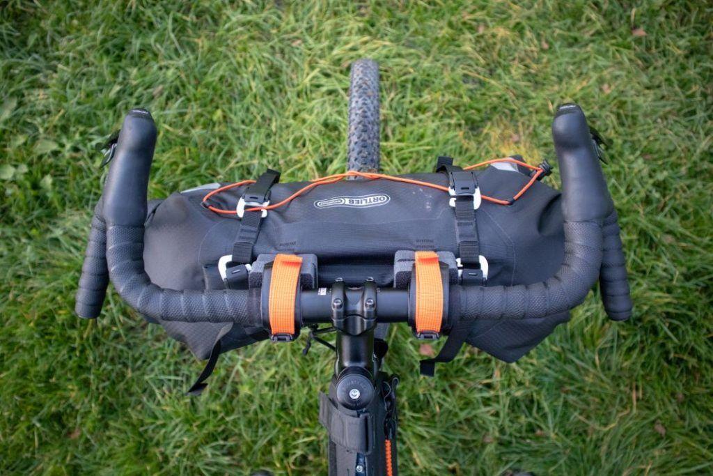Ortlieb Handlebar Pack 15L on the Gravel Bike in the test
