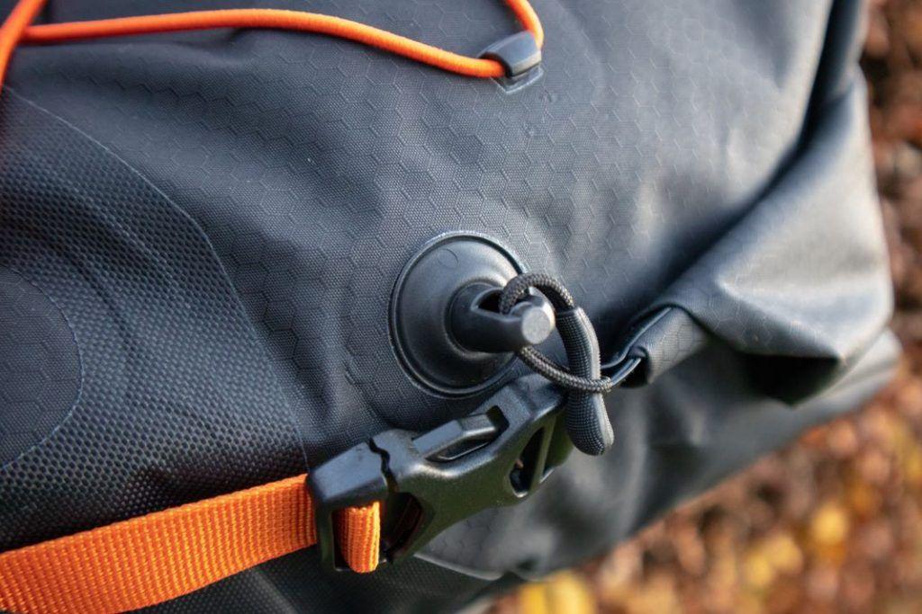 Ortlieb Seat Pack 11L Entlüftungsventil