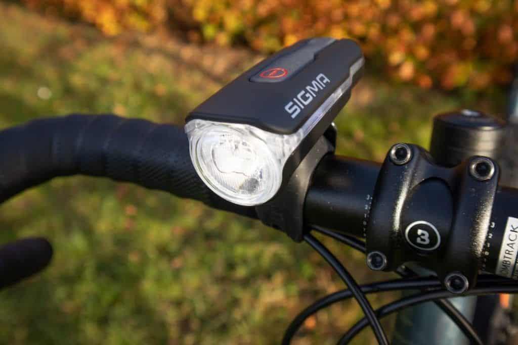 Sigma Aura 60 Test Fahrradlampe am Lenker