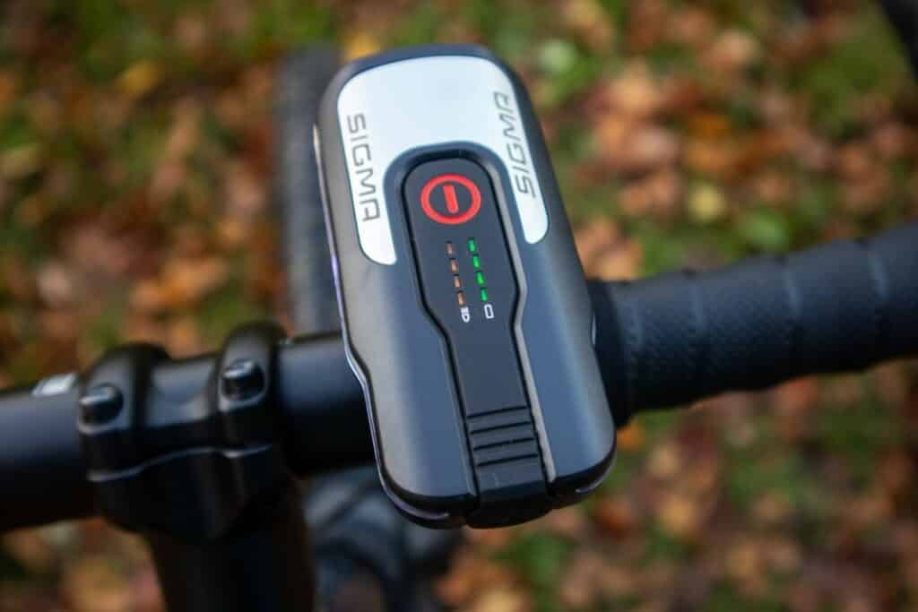 Sigma Aura 80 Test Bedienung Akku Anzeige Fahrradlampe