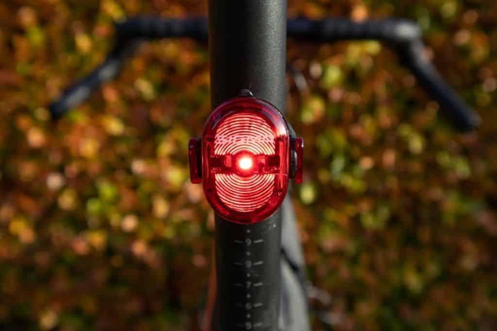 Sigma Sport Aura 60 Test Nugget II Rücklicht leuchtet rot