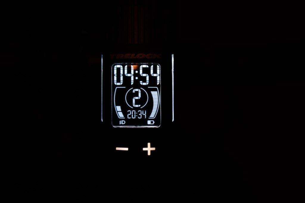 Trelock LS 760 I-GO Vision Test Display beleuchtet im dunklen