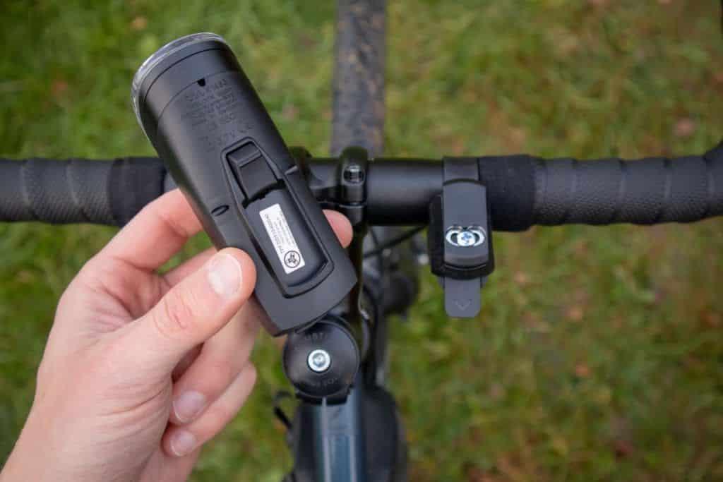 Trelock LS 760 I-GO Vision Test Montage der Fahrradlampe
