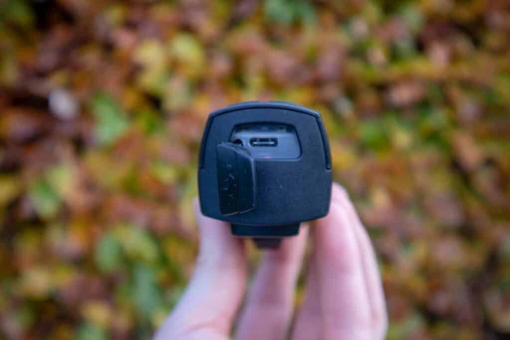 Trelock LS 760 I-GO Vision Test USB Buchse Ladeanschluss