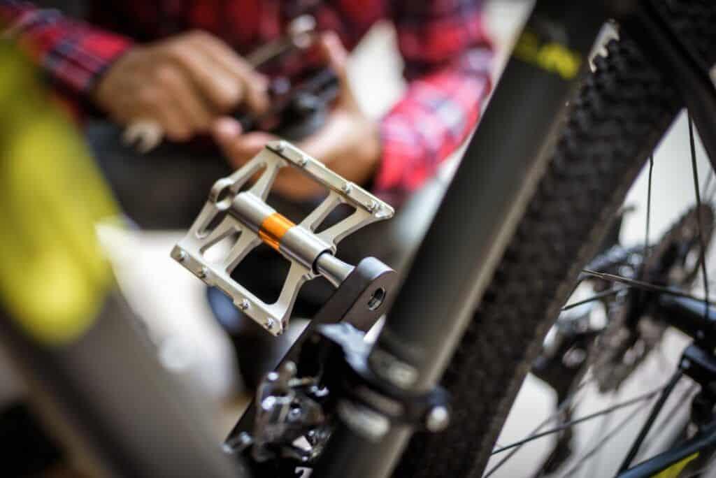 Fahrradpedale wechseln abschrauben montieren Anleitung