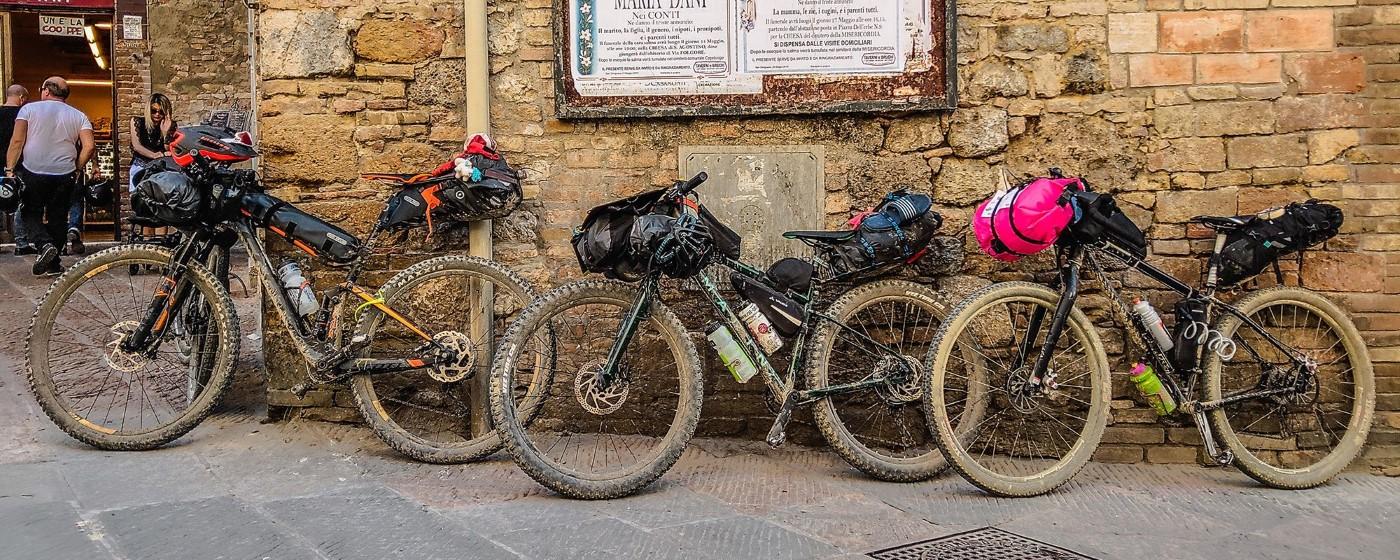 Bikepacking Taschen - Test & Vergleich (Ultimativer Bikepacking Ausrüstung-Ratgeber)