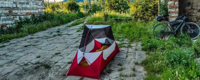 Bikepacking Zelt beim Tuscany Trail Title