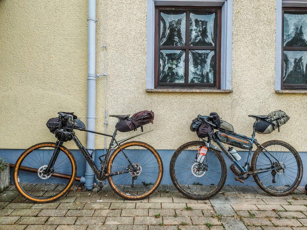 bikepacking overnighter ausrüstung gravel bike